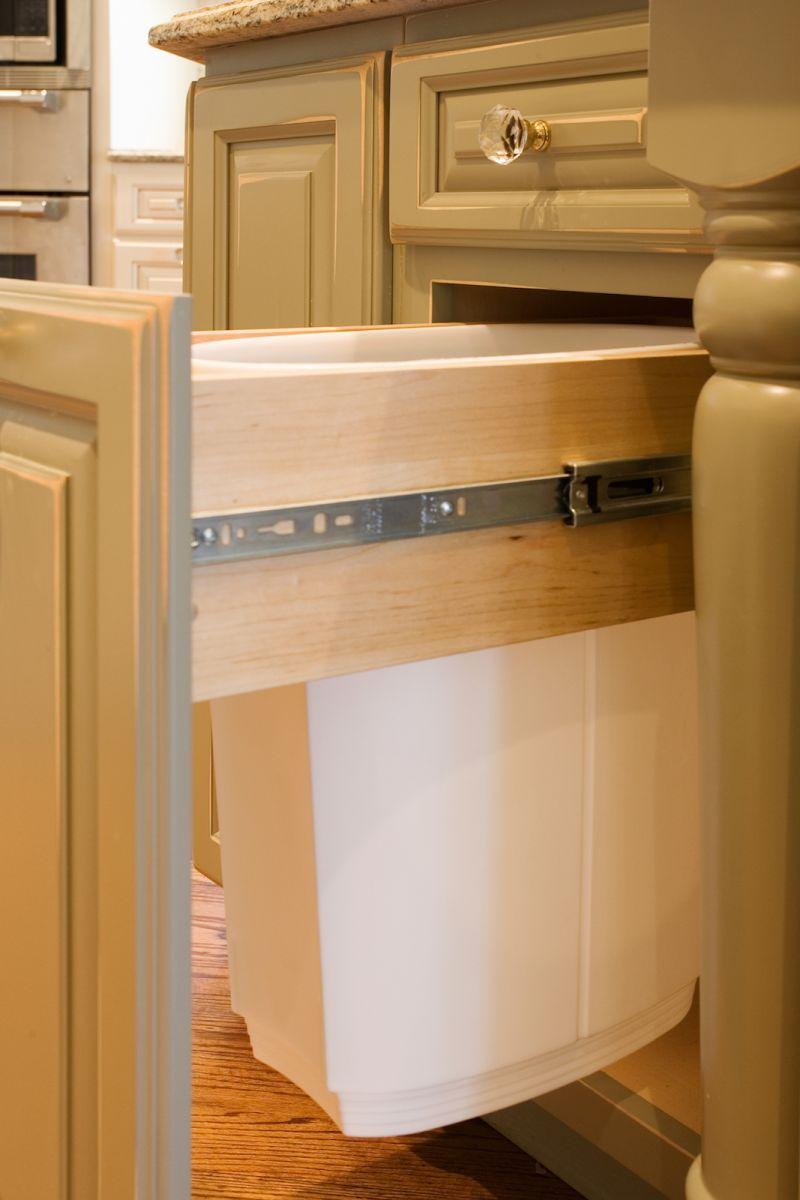 accessoires d 39 armoires de cuisine sur mesure cookshire pr s de sherbrooke en estrie dans les. Black Bedroom Furniture Sets. Home Design Ideas